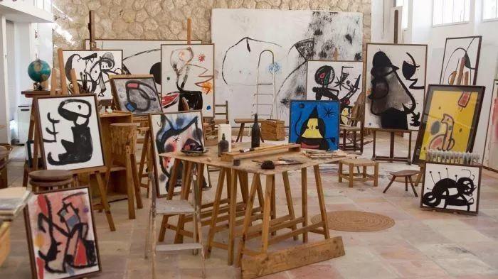 超现实主义领袖人物,与毕加索、达利齐名,一生只像孩子那样画画插图6