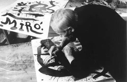 超现实主义领袖人物,与毕加索、达利齐名,一生只像孩子那样画画插图8