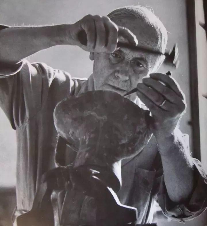 超现实主义领袖人物,与毕加索、达利齐名,一生只像孩子那样画画插图64