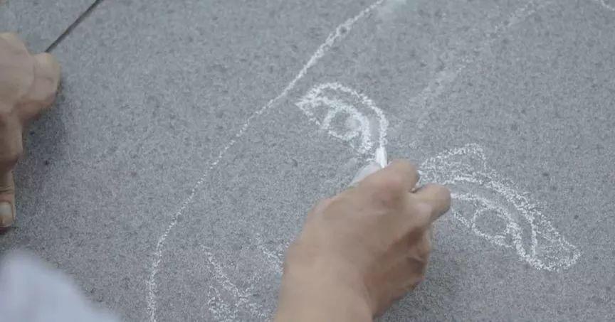 """凭本事吃饭的人,从来不会觉得卑微!中国的""""流浪达芬奇"""",画了800多次蒙娜丽莎!插图13"""