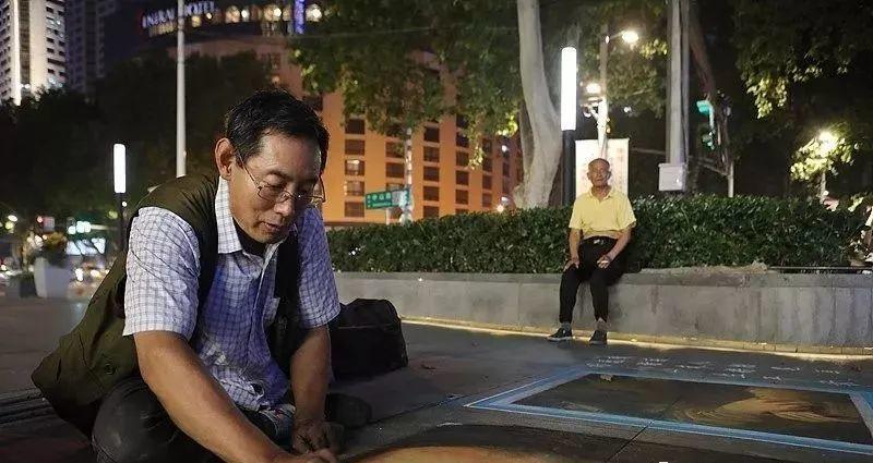 """凭本事吃饭的人,从来不会觉得卑微!中国的""""流浪达芬奇"""",画了800多次蒙娜丽莎!插图17"""