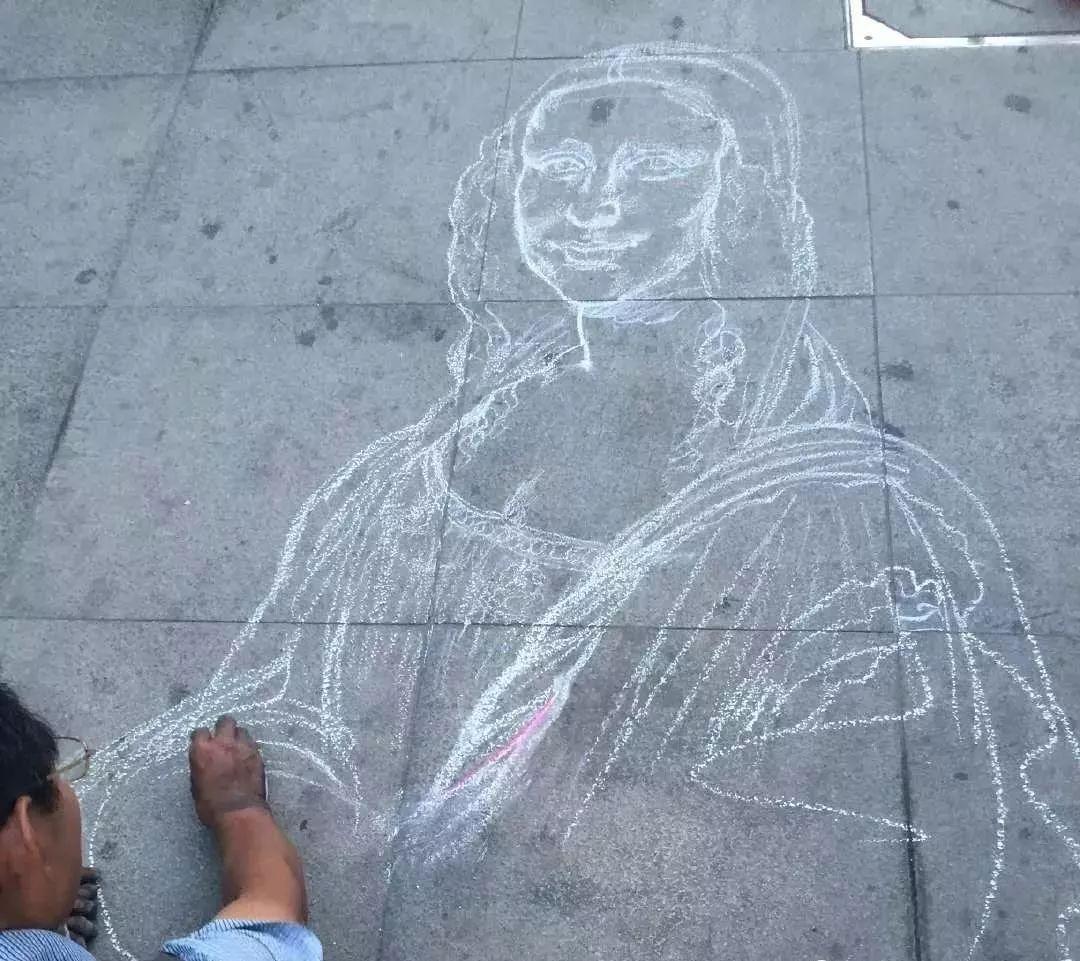 """凭本事吃饭的人,从来不会觉得卑微!中国的""""流浪达芬奇"""",画了800多次蒙娜丽莎!插图31"""
