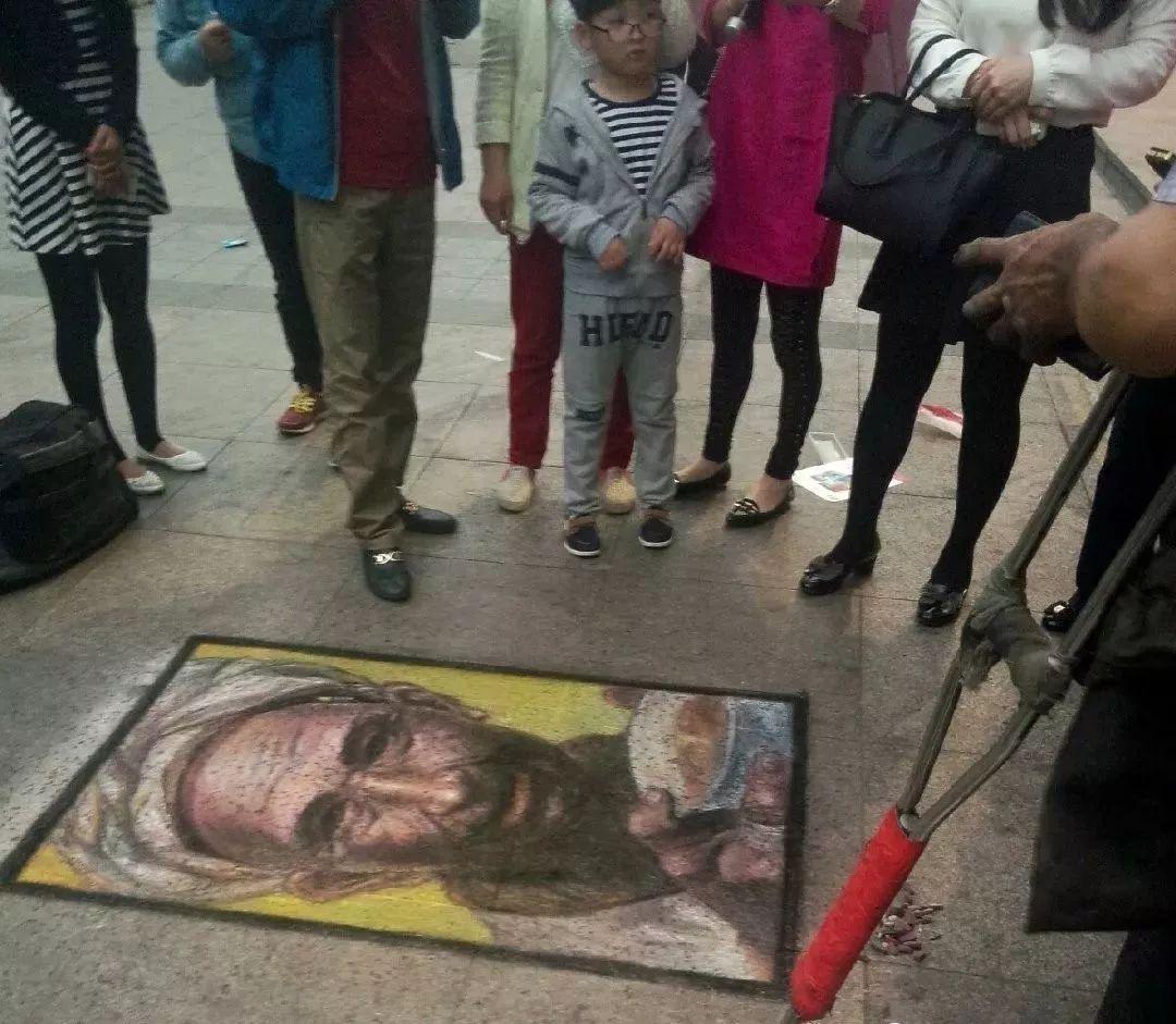 """凭本事吃饭的人,从来不会觉得卑微!中国的""""流浪达芬奇"""",画了800多次蒙娜丽莎!插图43"""