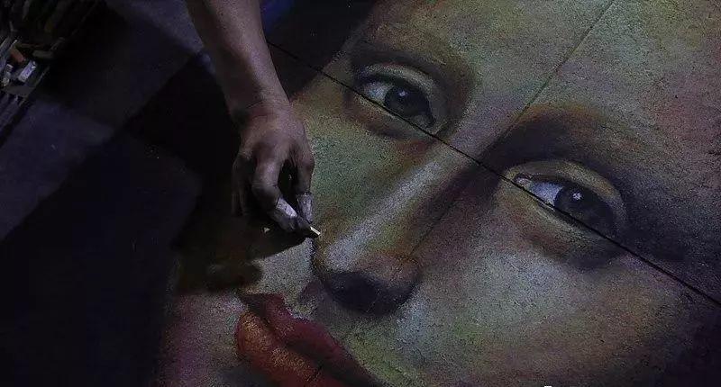 """凭本事吃饭的人,从来不会觉得卑微!中国的""""流浪达芬奇"""",画了800多次蒙娜丽莎!插图61"""
