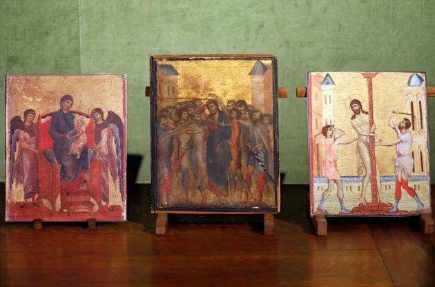 法国90岁老太一夜暴富,搬家清理出700多年前的旧画,竟然拍卖1.9亿天价!插图7