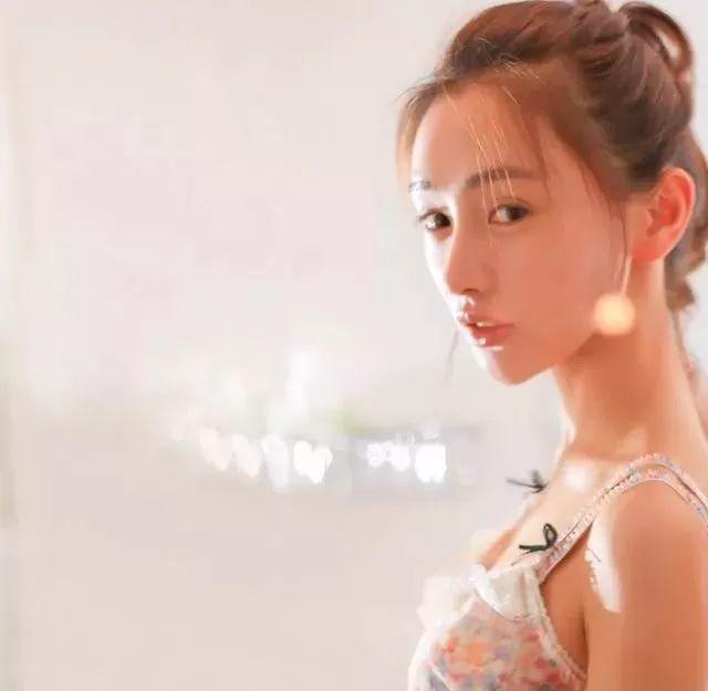 35年专注画青春美少女,最贵画作卖708万插图89