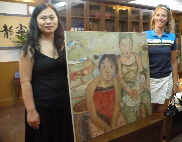 她用24年书写从村姑到画家的传奇,作品被瑞典国王、法国总统收藏插图3