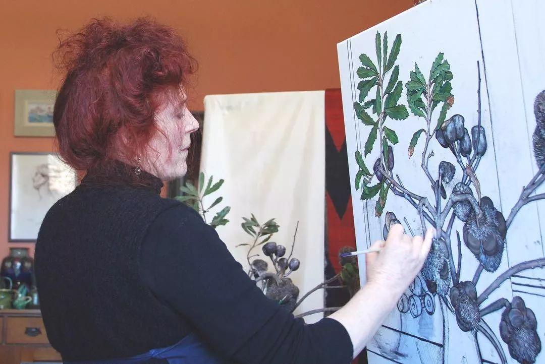 她72岁,画了50多年的画,花儿在她笔下都有了个性!插图1