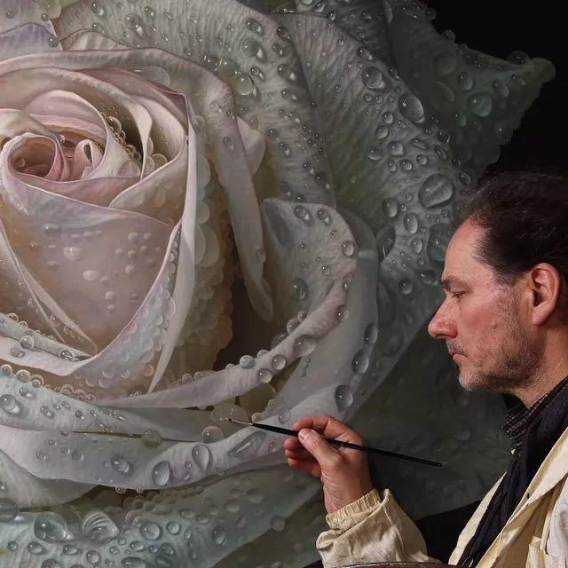 他用一块画布,就能将其变成一个露珠覆盖的玫瑰花园插图11