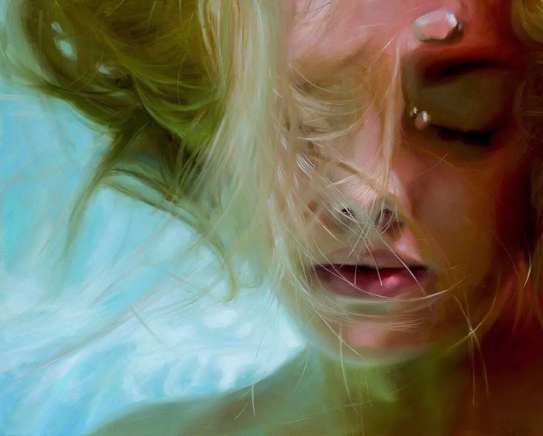 炎炎夏日90后美女画家,不拼颜值拼画功,绘出水下美女淋漓细节插图3