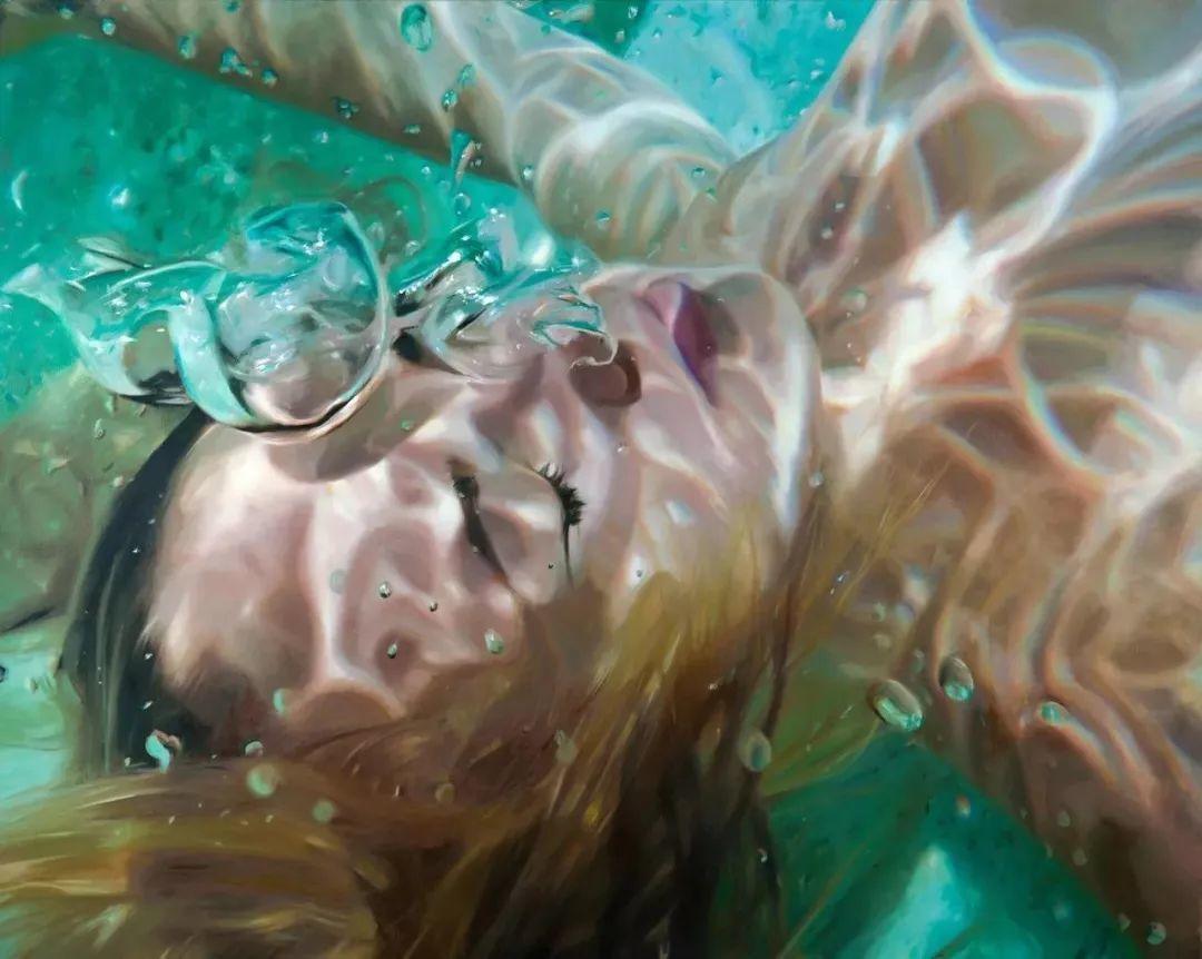 炎炎夏日90后美女画家,不拼颜值拼画功,绘出水下美女淋漓细节插图5