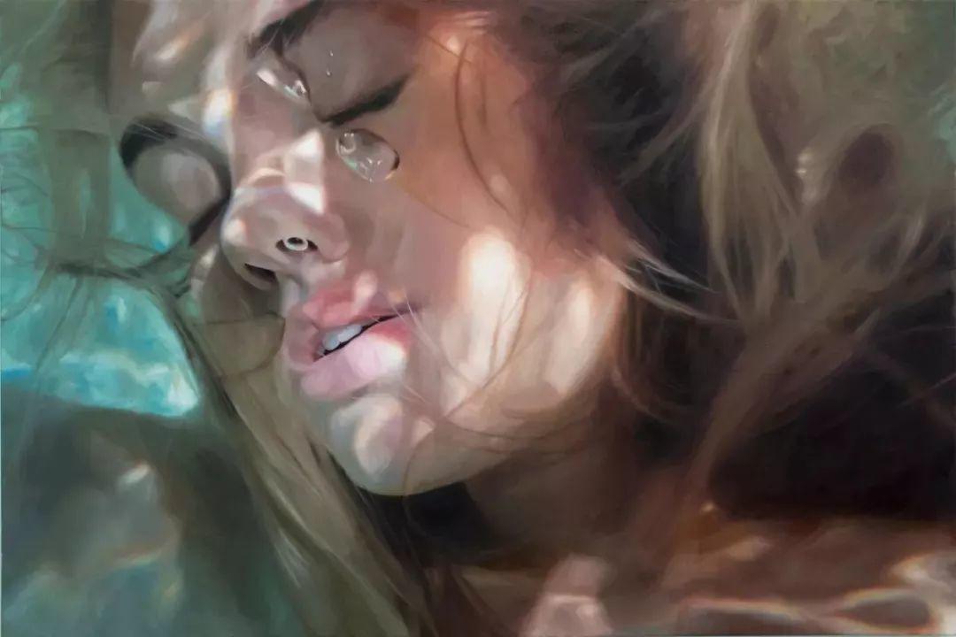 炎炎夏日90后美女画家,不拼颜值拼画功,绘出水下美女淋漓细节插图19