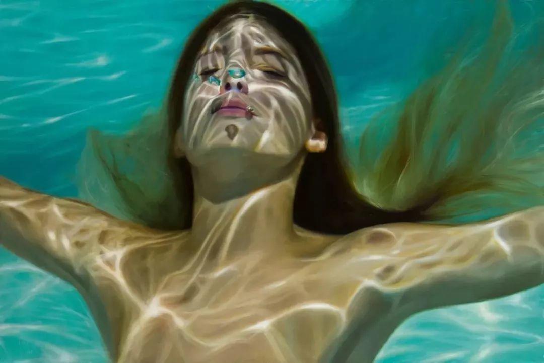 炎炎夏日90后美女画家,不拼颜值拼画功,绘出水下美女淋漓细节插图25