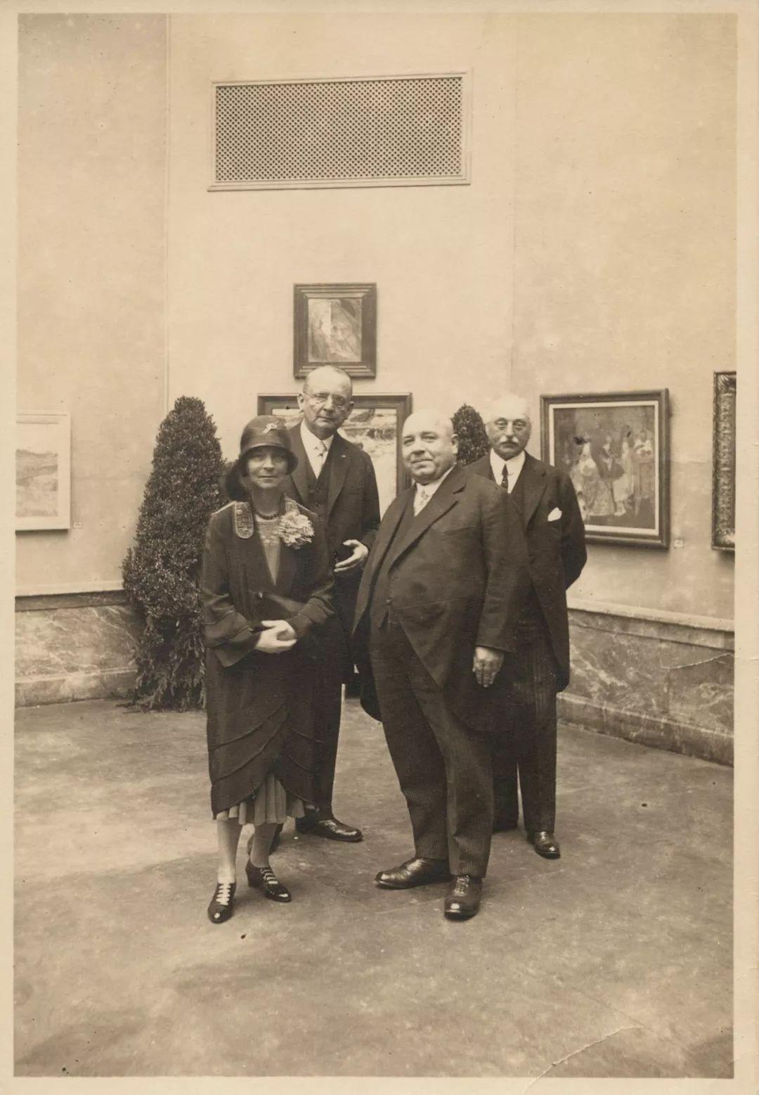 她一生从未见过梵高,却是他的头号粉丝,散尽家财为他建起一座博物馆插图6