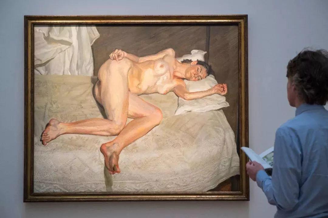 他见一个爱一个画一个,白床上人体拍近2亿元插图35