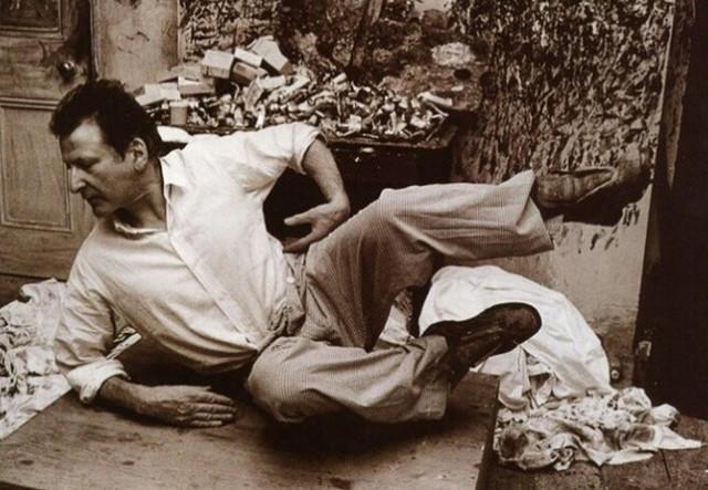 他见一个爱一个画一个,白床上人体拍近2亿元插图56