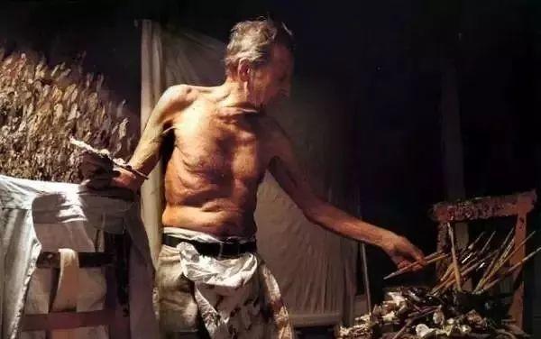 他见一个爱一个画一个,白床上人体拍近2亿元插图58