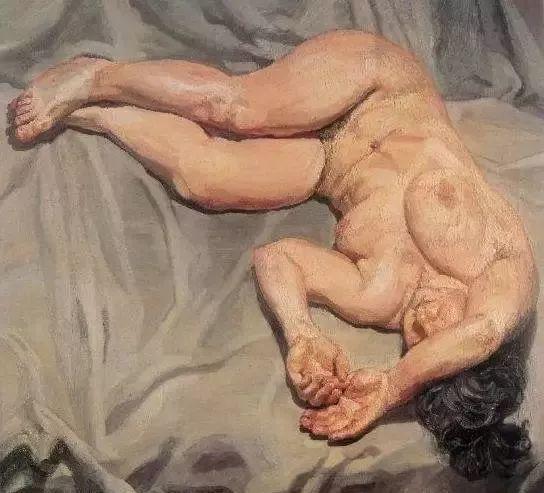 他见一个爱一个画一个,白床上人体拍近2亿元插图64