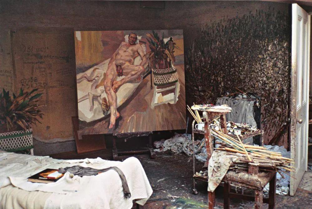 他见一个爱一个画一个,白床上人体拍近2亿元插图92