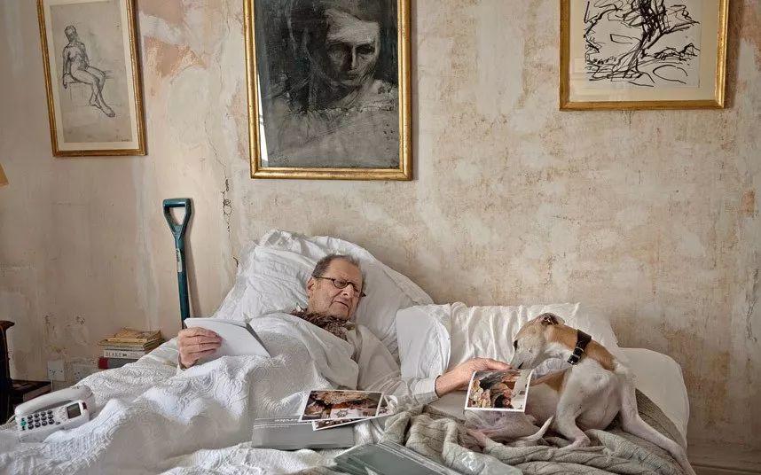 他见一个爱一个画一个,白床上人体拍近2亿元插图99