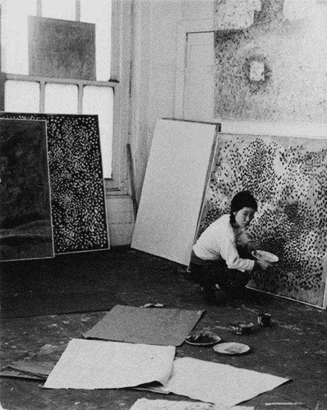 """她住了50年精神病院,一幅画却能卖2亿,90岁的她是全世界最""""贵""""的女画家插图20"""