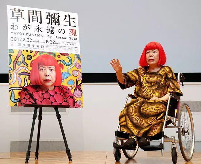 """她住了50年精神病院,一幅画却能卖2亿,90岁的她是全世界最""""贵""""的女画家插图36"""