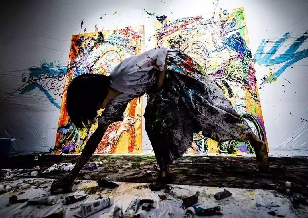 """""""狂野少女""""绘画堪比毕加索 林俊杰都为她做专属音乐插图37"""
