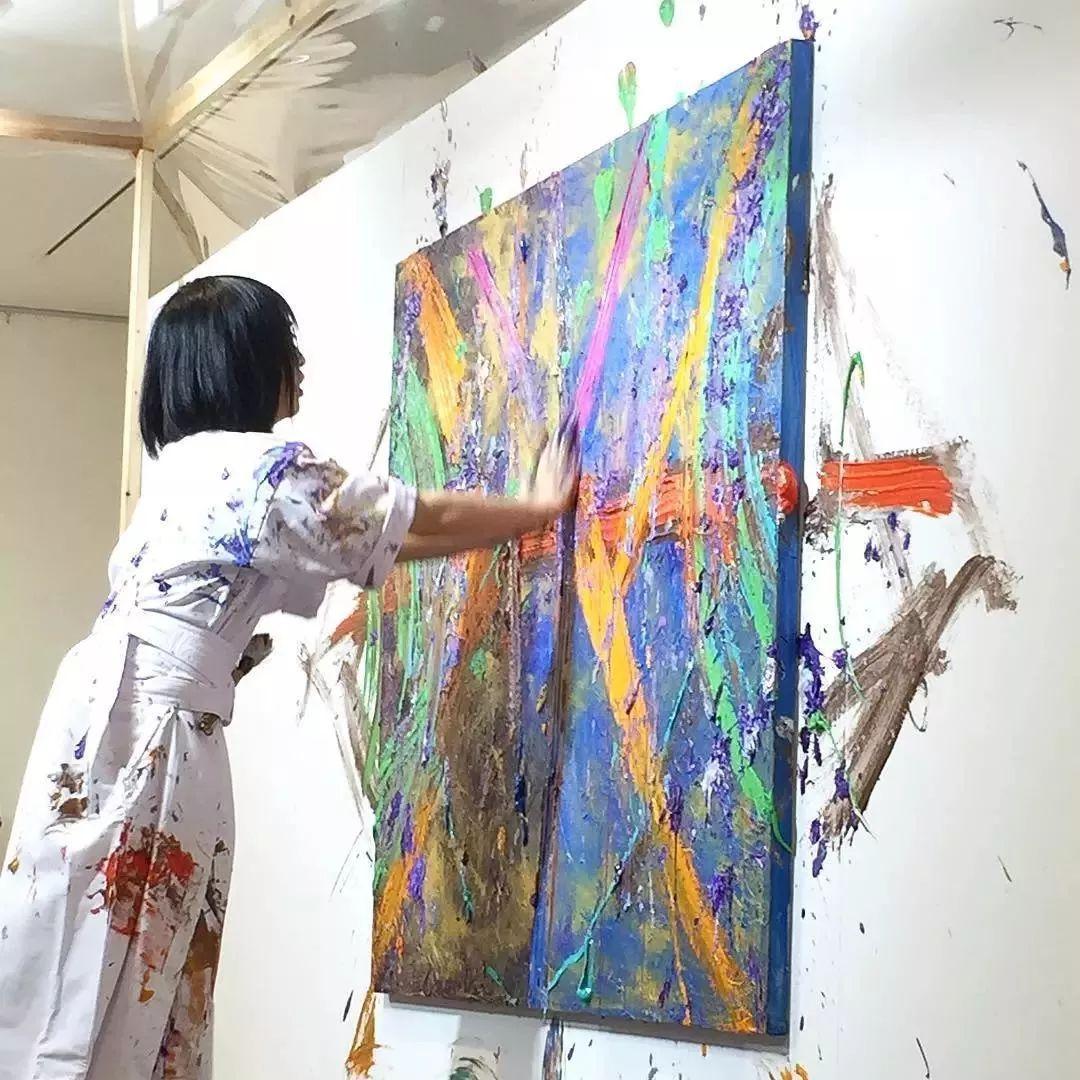 """""""狂野少女""""绘画堪比毕加索 林俊杰都为她做专属音乐插图97"""