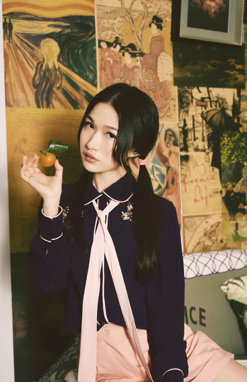 """她被媒界喻为""""荷画美人"""",亦被称为中国最年轻的女画家插图10"""