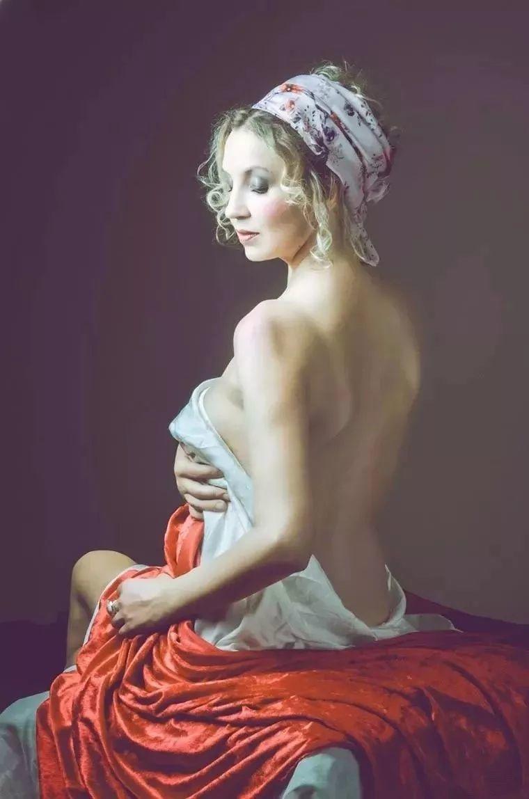 美得像油画——丰腴女人体摄影插图
