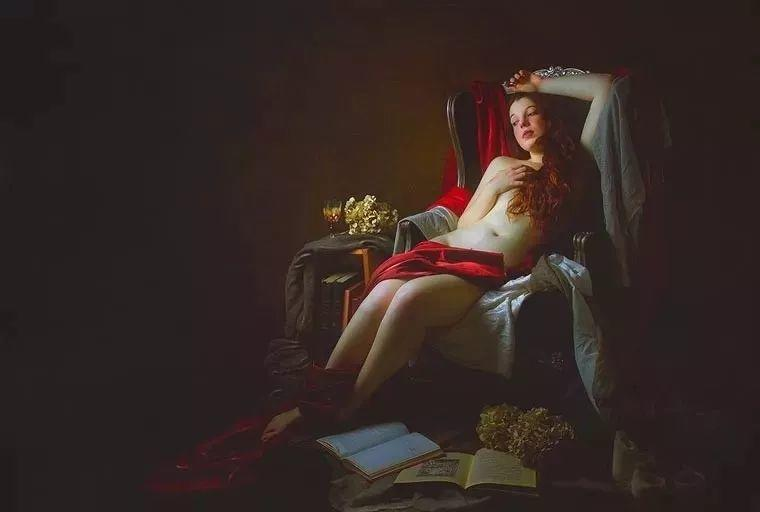 美得像油画——丰腴女人体摄影插图1