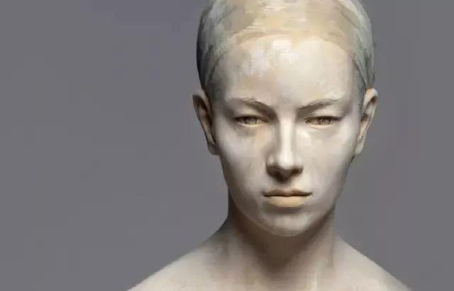 他硬把一桩桩木头弄成人体女神,惊艳世界,首次来中国就轰动美院插图73