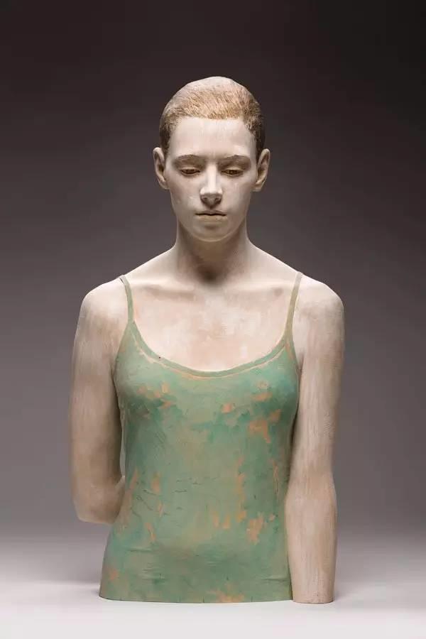 他硬把一桩桩木头弄成人体女神,惊艳世界,首次来中国就轰动美院插图86