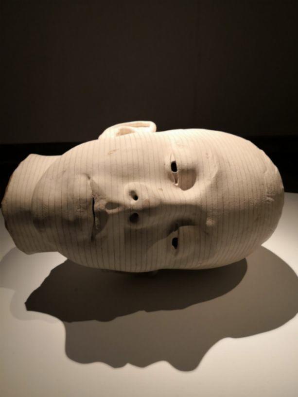 他硬把一桩桩木头弄成人体女神,惊艳世界,首次来中国就轰动美院插图87