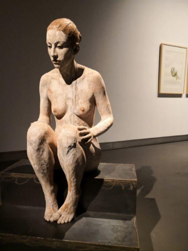 他硬把一桩桩木头弄成人体女神,惊艳世界,首次来中国就轰动美院插图92