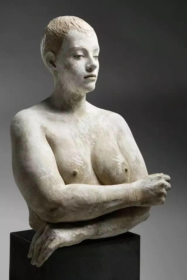 他硬把一桩桩木头弄成人体女神,惊艳世界,首次来中国就轰动美院插图112