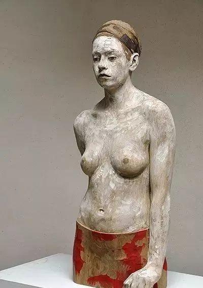他硬把一桩桩木头弄成人体女神,惊艳世界,首次来中国就轰动美院插图117