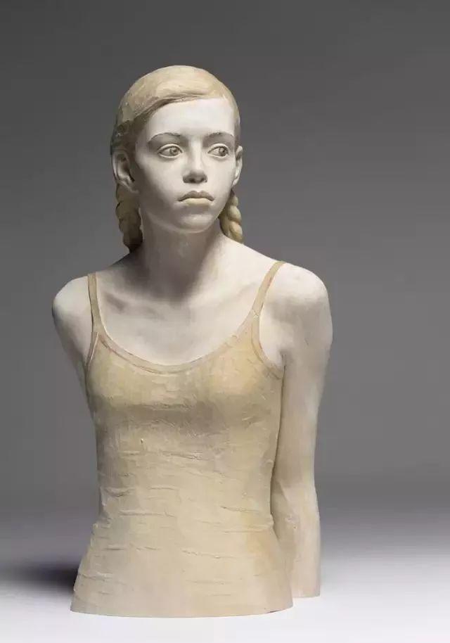 他硬把一桩桩木头弄成人体女神,惊艳世界,首次来中国就轰动美院插图119