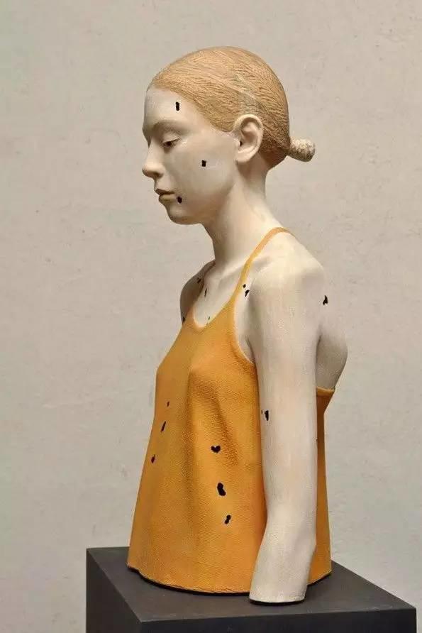 他硬把一桩桩木头弄成人体女神,惊艳世界,首次来中国就轰动美院插图121