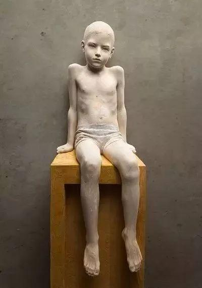 他硬把一桩桩木头弄成人体女神,惊艳世界,首次来中国就轰动美院插图137