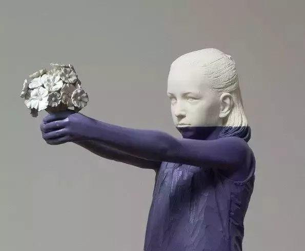 他硬把一桩桩木头弄成人体女神,惊艳世界,首次来中国就轰动美院插图141