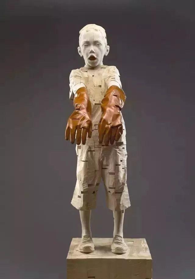 他硬把一桩桩木头弄成人体女神,惊艳世界,首次来中国就轰动美院插图147