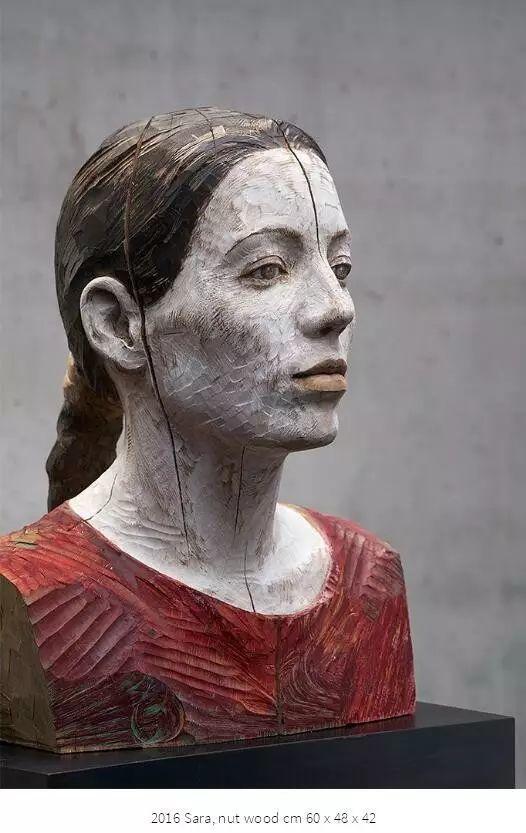 他硬把一桩桩木头弄成人体女神,惊艳世界,首次来中国就轰动美院插图165