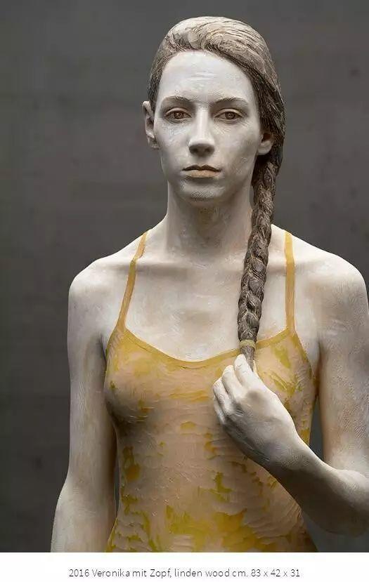 他硬把一桩桩木头弄成人体女神,惊艳世界,首次来中国就轰动美院插图166
