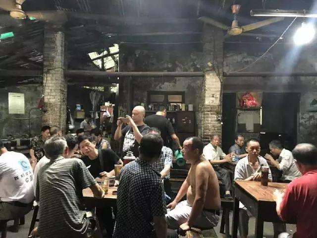 他画了20年,把重庆最破的茶馆画成了最火的网红店插图11