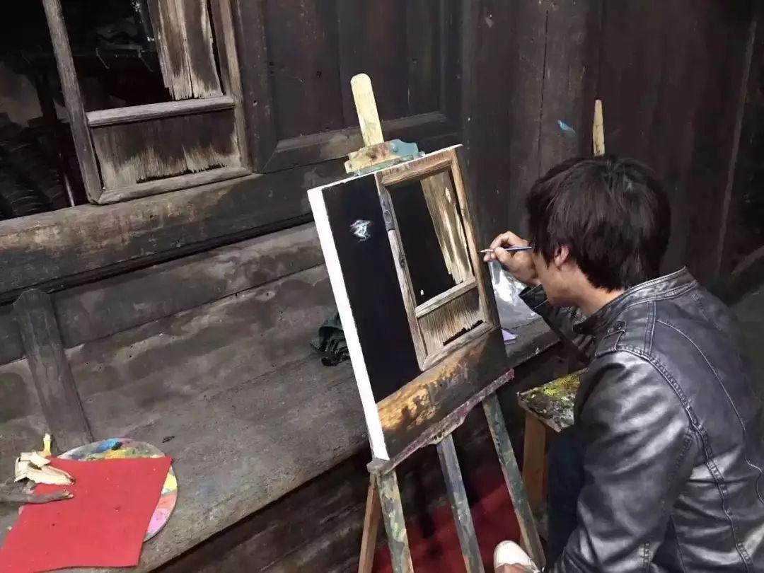 他教会了上万个农民画画却分文不收——林正碌插图14