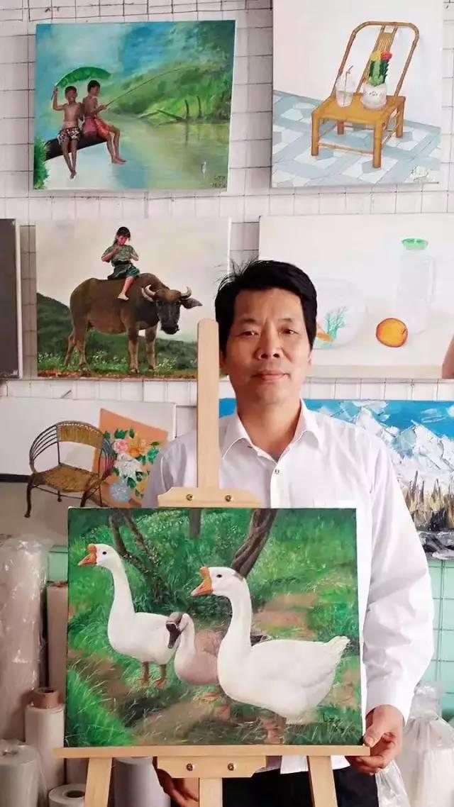 他教会了上万个农民画画却分文不收——林正碌插图26