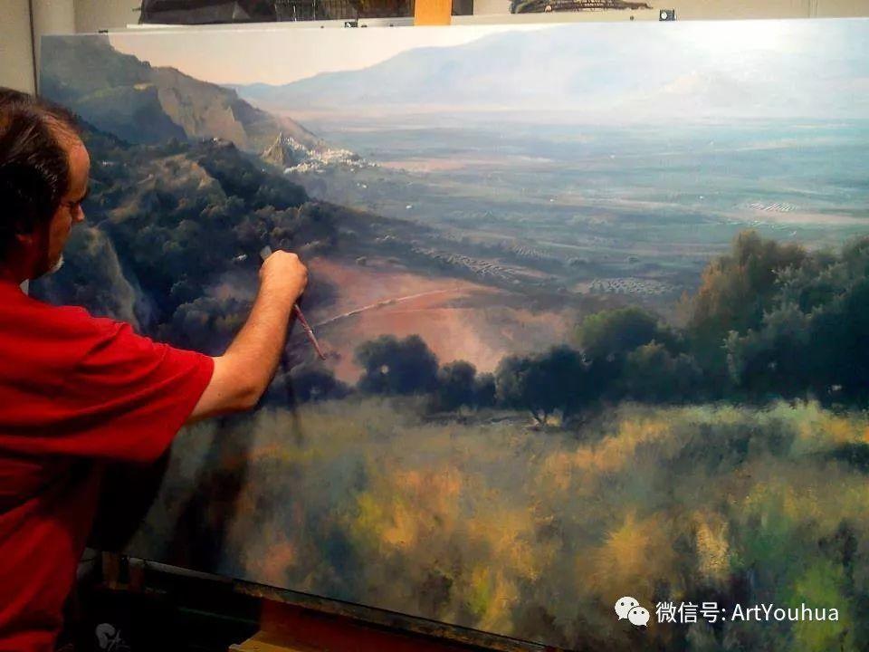 他拥有超过一百个国家和国际绘画奖项插图1