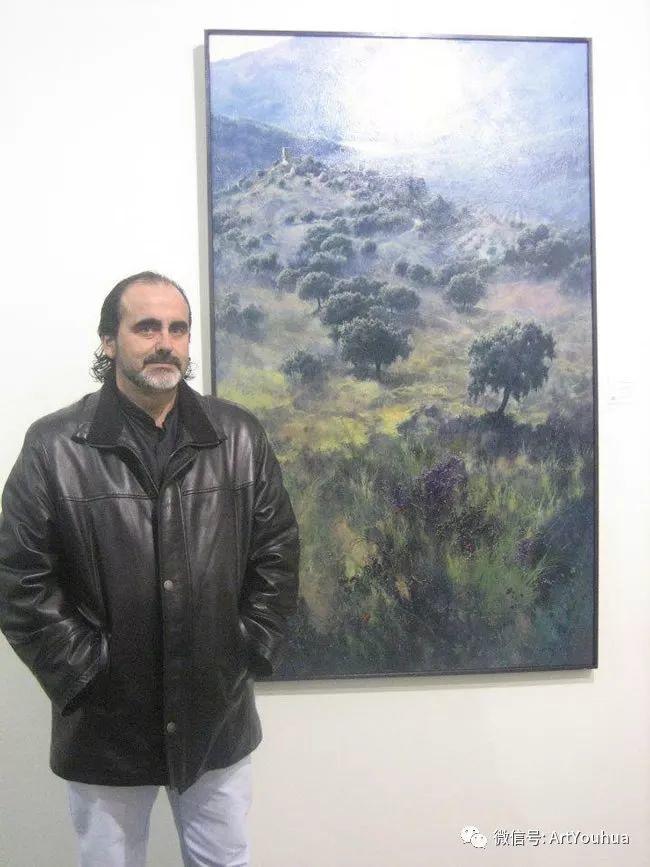 他拥有超过一百个国家和国际绘画奖项插图3
