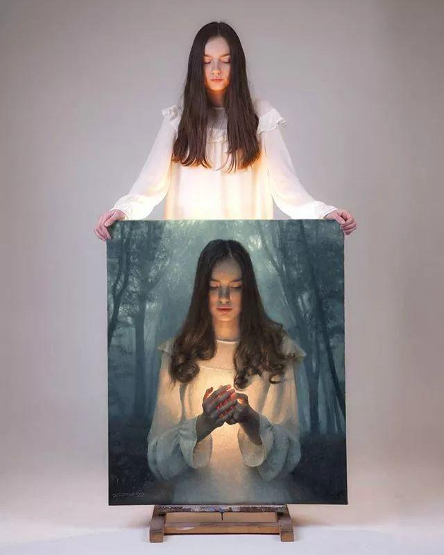 眼前一亮,模特与画像同框!波兰画家达米安·莱科斯特插图1